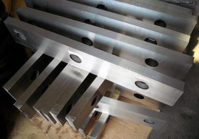 Изготовление ножей для гильотинных ножниц из стали.