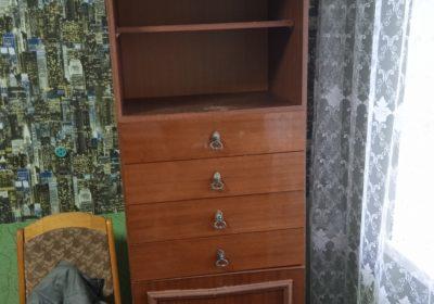 Отдаю даром шкаф для книг, шифонер и кровать